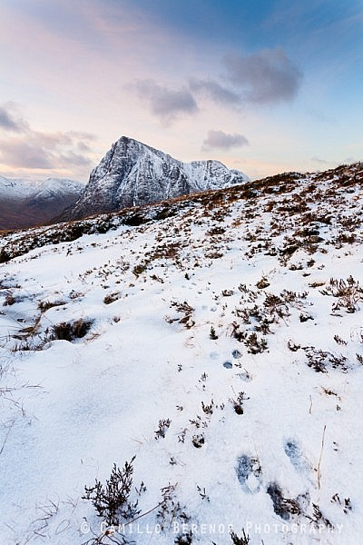 Tracks left behind by a mountan hare in the snow on Beinn a'Chrulaiste serve as a great lead in towards the Buachaille Etive Mor