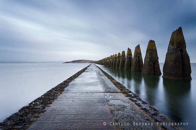 Long exposure of the causeway to Cramond island just before it got flooded by the rising tide.
